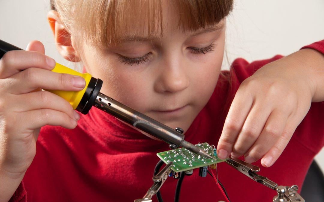 Lipirea / sudarea componentelor electronice